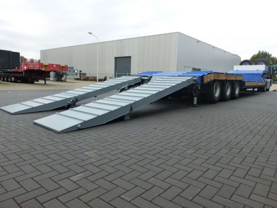 Semi remorque à plateau marche, capacité de 70 ton
