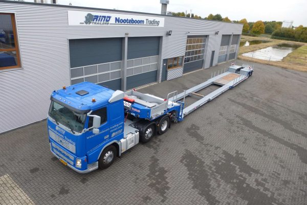 2 PENDEL AXLE LOWBED // LOADFLOORHEIGHT 340 MM // DETACHABLE GOOSENECK // 2x EXTENDABLE TILL 17 M NETT LOADING LENGTH// SUPSENSION STROKE 600 MM // TWISTLOCKS //§70 // PAYLOAD 25,5 T