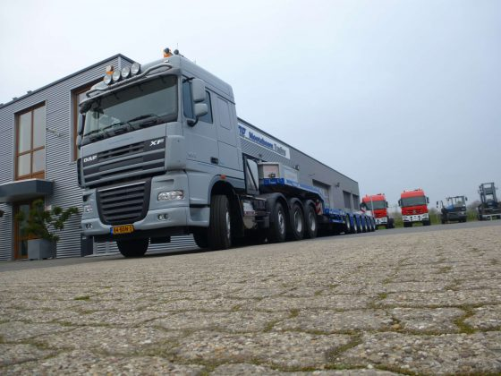NEW DAF heavy duty tractor head 160 GCW 8x4 , direct available