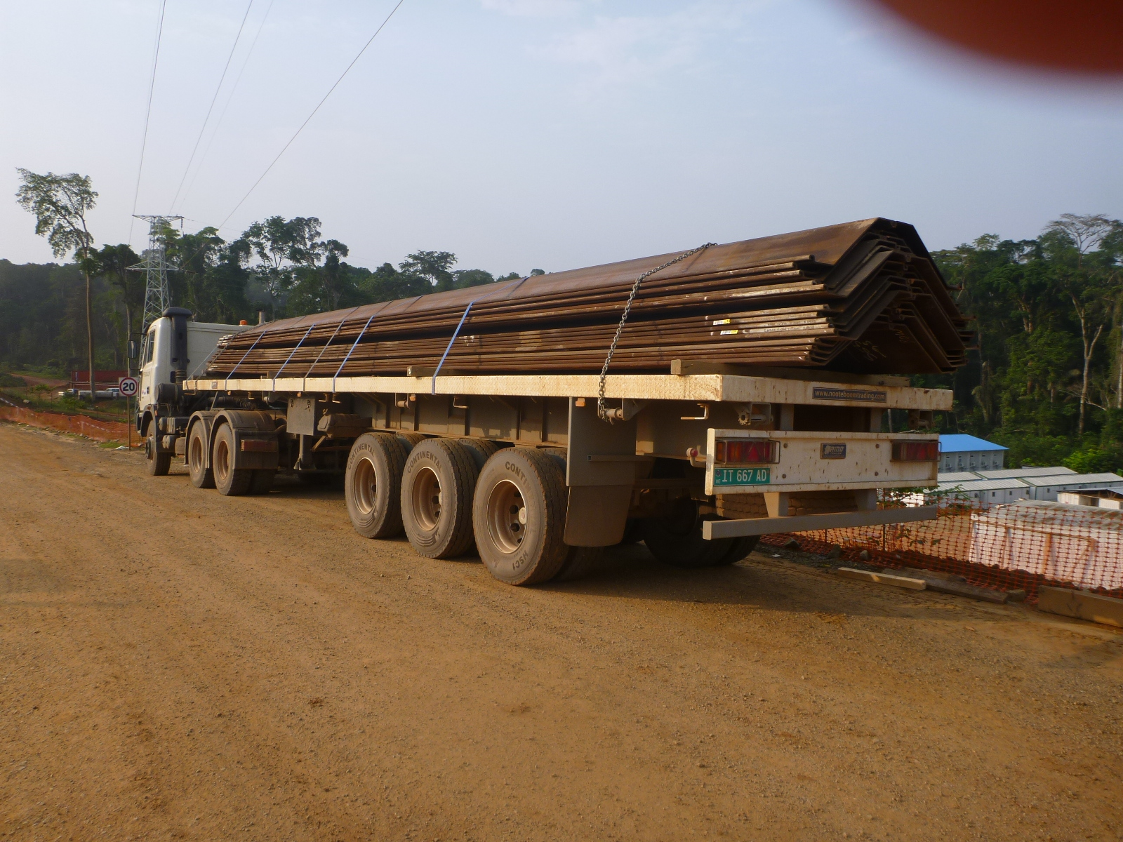 60 tons heavy duty flatbed trailer for severe road conditions