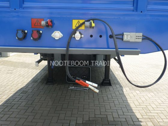 Semi-remorque 3 essieux adaptée à la piste