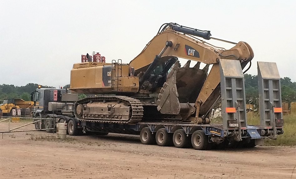 Heavy duty lowbed 4 axle suitable for awkward road condition