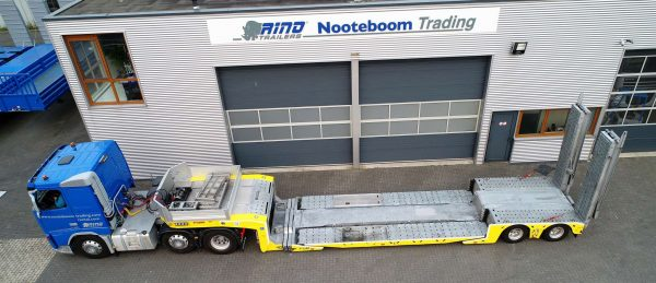 2-AXLE LOWLOADER // HYDRAULIC STEERING // HYDRAULIC RAMPS 6,6 MTR // PAYLOAD 19,1 TON // TO USE FOR VEHICLE RECOVERY