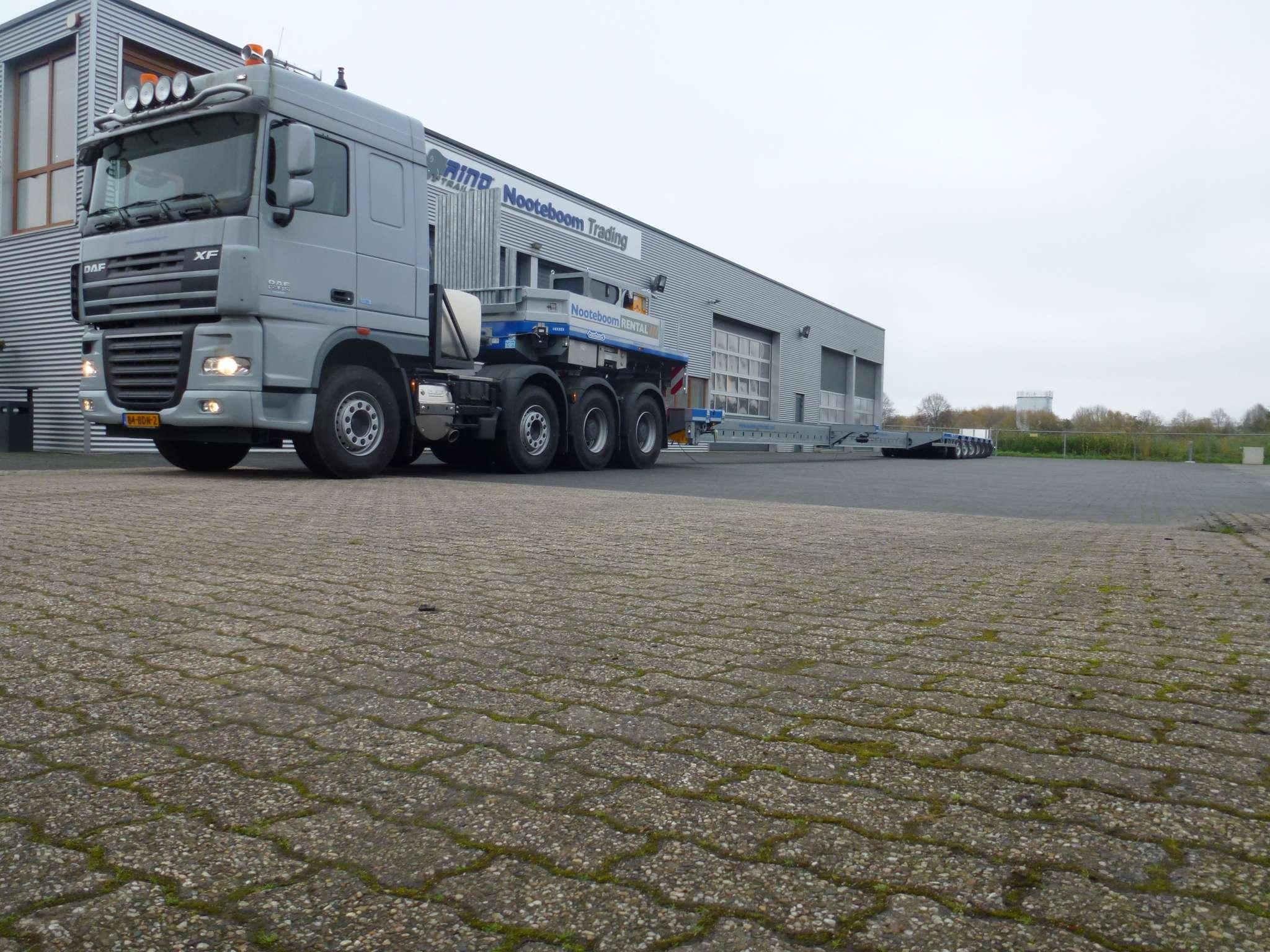DAF ZWAAR TRANSPORT TREKKER //160 ton GCW // 8x4
