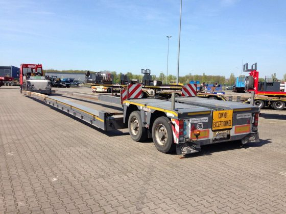 2 pendel axle low loader // loading floor height 525 // movable gooseneck // double extendable to 26 m net load floor length // stroke suspension 600 mm