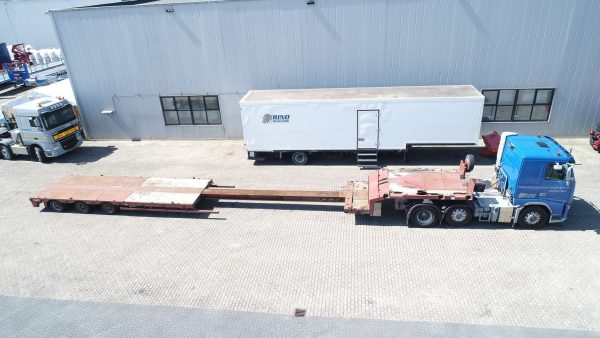 3 axle lowbed width hydraulic steering and double extendable
