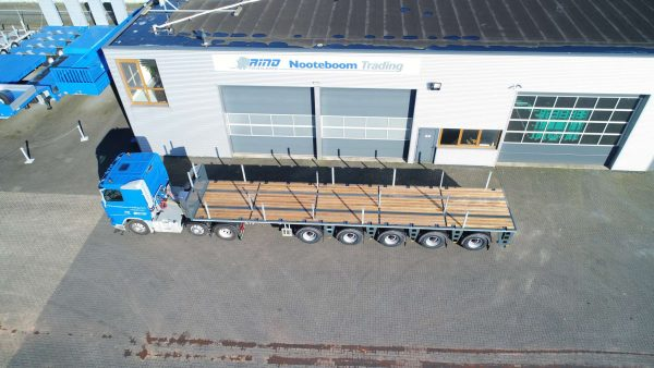Plateau porte-contrepoids 5 essieux// 4 essieux de direction contrés // Charge utile de 62 tonnes