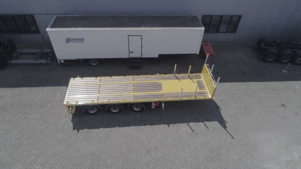 11 m Ballast trailer 3 axles // 2 coupling heights 1200 & 1350 // 2 axles counter-controlled (1st & 3rd) // 40 tonne payload