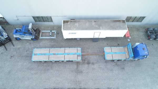 3 AXLE FLATBED TRAILER// LAST AXLE SELFTRACKING // EXTENDABLE TILL 18 MTR // 36 TON PAYLOAD