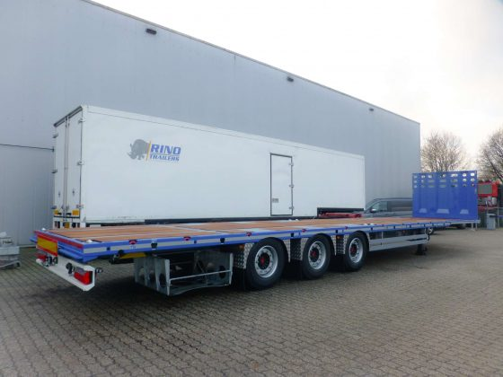 3-axle flatbed mega trailer, 2 king pin heights