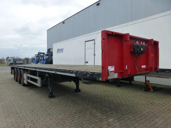3 Achs Flachbettauflieger // Nutzlast 36 Tonnen