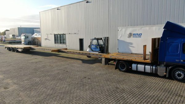 3 Axle mega trailer, double extendable till 29 meters, payload 34,6 ton