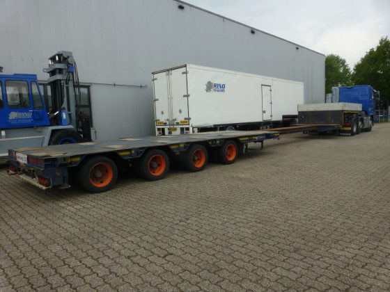 4 Axle Lowbed // Hydraulic Steering // Extendable till 14,6 Meter // Payload 34,5 Ton