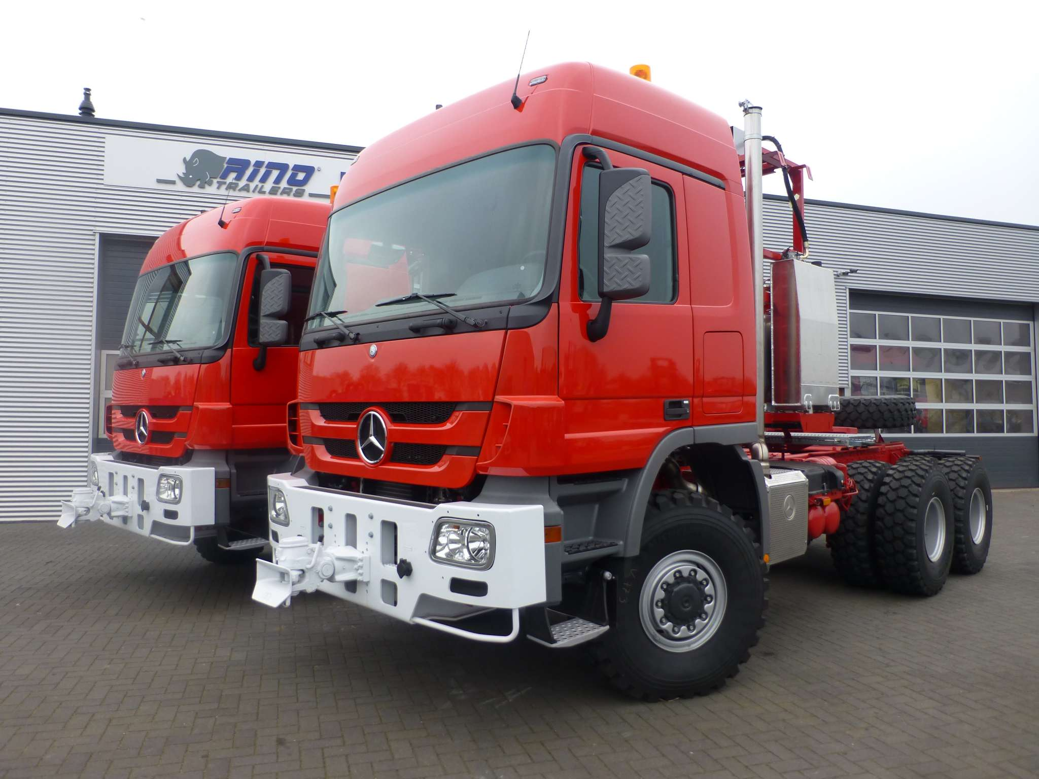 Mercedes Benz heavy duty tractor head 6x6 350 ton plus, push pull, from stock available