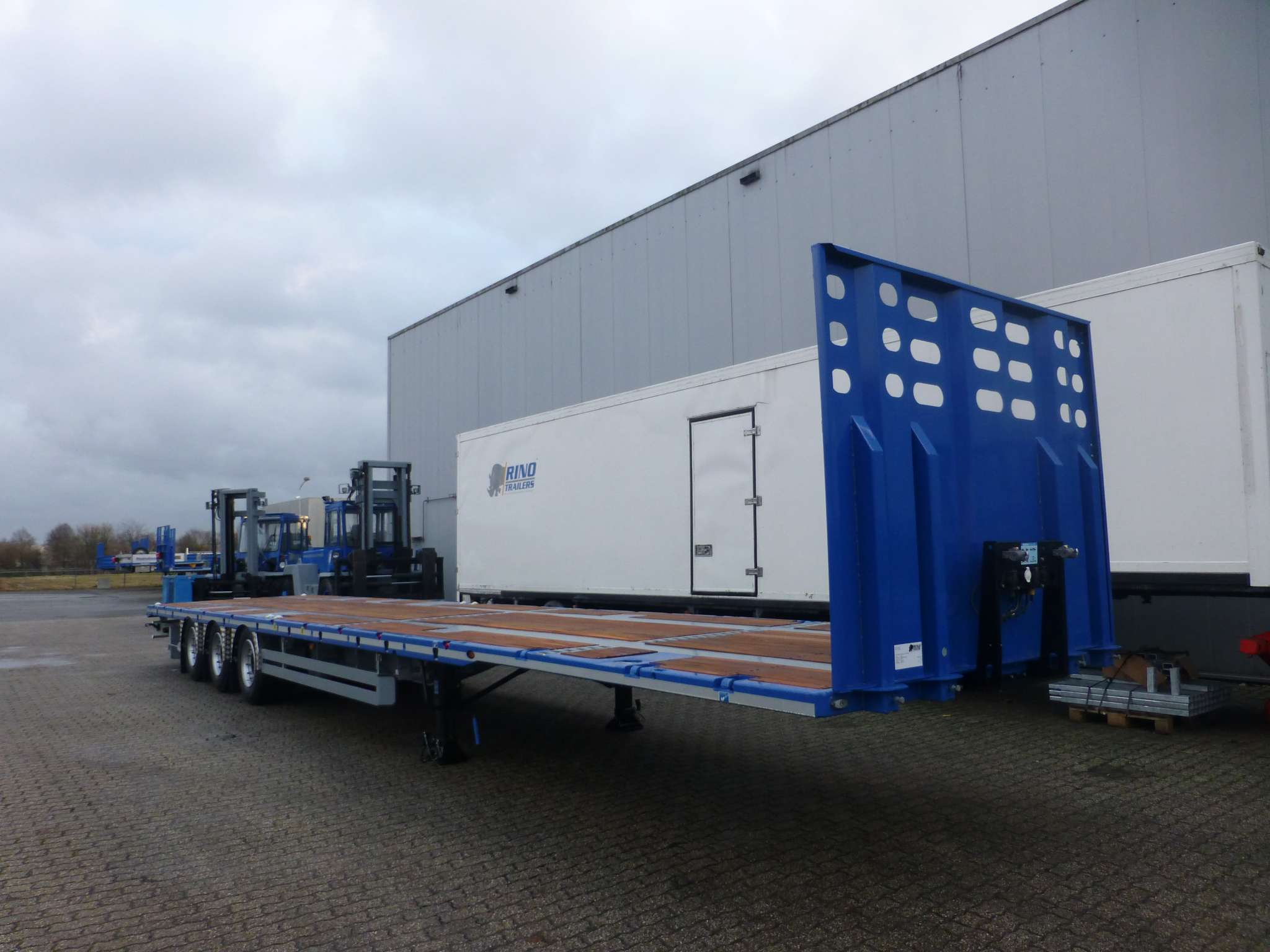3-AXLE FLATBED MEGA TRAILER // 2 KING PIN HEIGHTS