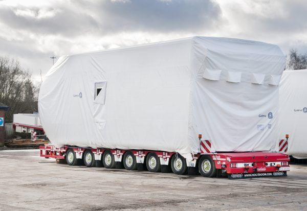 7 AXLE LOWBED (MANOOVR) // AUTOMATIC HYDRAULIC COMPENSATION GOOSENECK // EXTENDABLE TILL 22,6 MTR // PAYLOAD 121 TON // LOADFLOORHEIGHT 780 MM // TOTAL STROKE 500 MM
