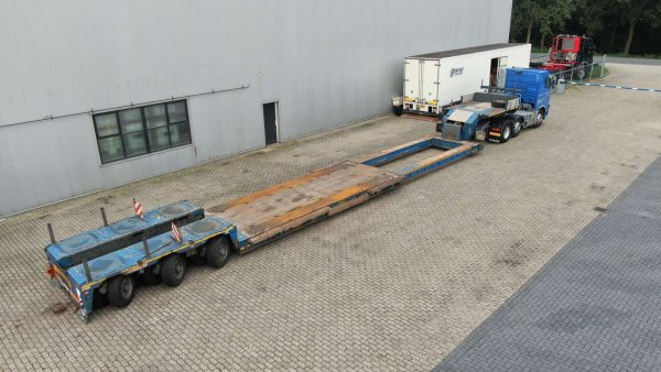 3 Axle Low-loader Pendelar Axle // Extendable till 13,25 Meter // Payload 46-57 Ton //  Suitable for 5 Axle Truck or 4 Axle Truck with 1 Axle Jeepdolly
