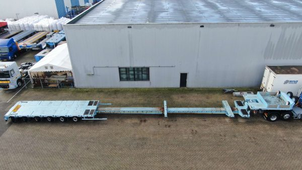 6 Assige semi dieplader met pendelassen, dubbel uitschuifbaar tot 25 meter, laadvermogen 78,5 ton