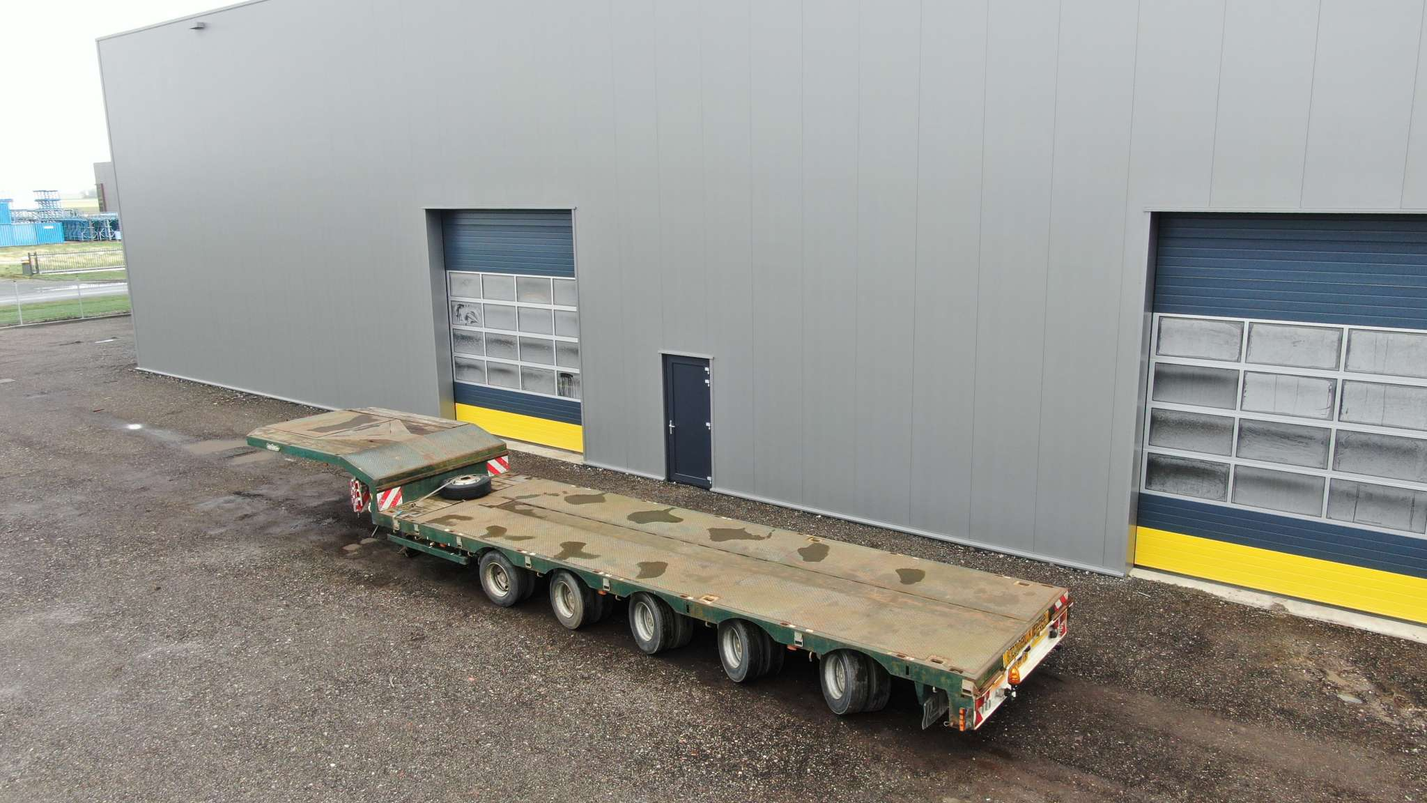 5 Axle semi lowbed | extendable till 15,6 m | loadfloor height 830 mm | payload 43 ton