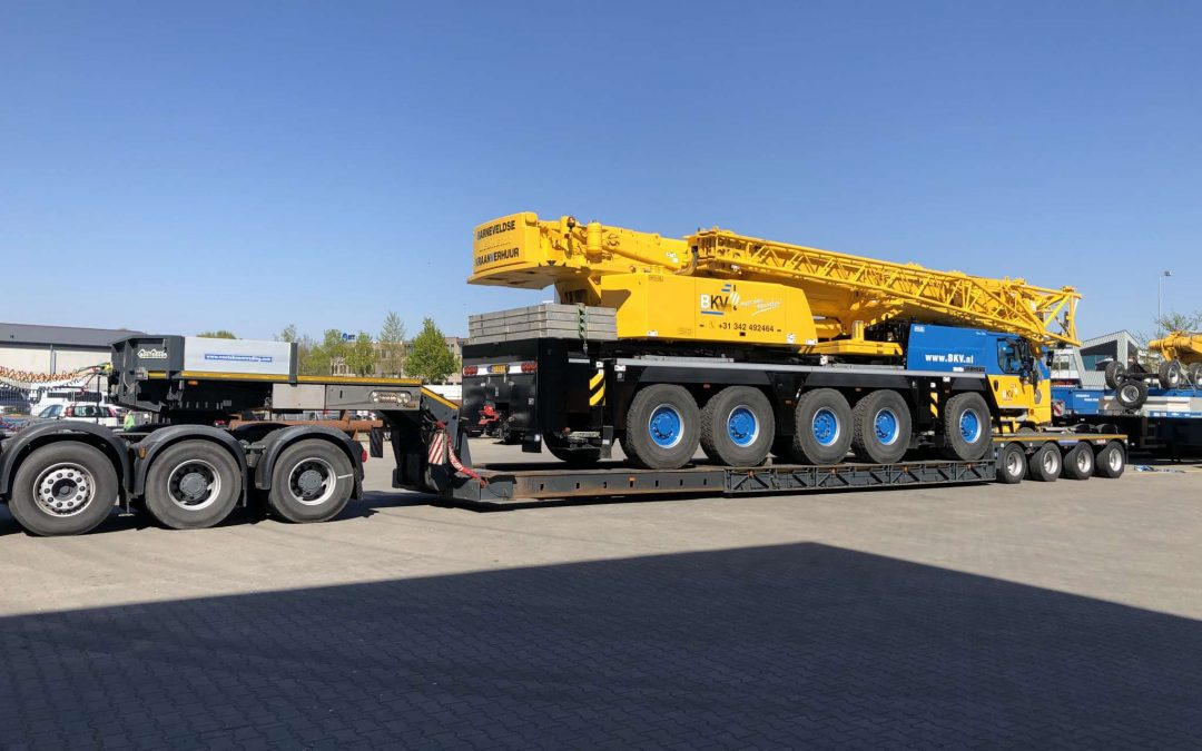 Demonstration of heavy duty low-loader at BKV cranes